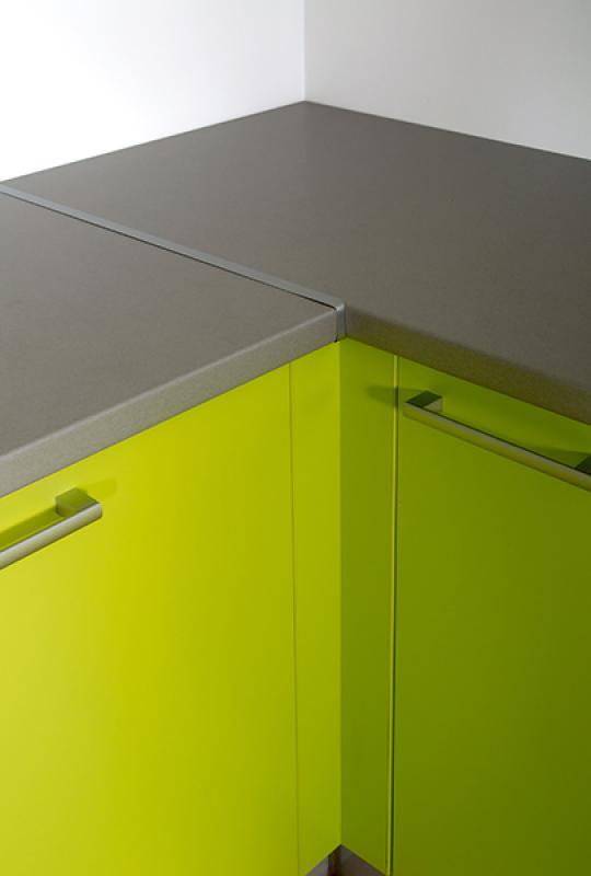 fileurs fileurs finition de cuisine pas ch re fileur angle finition de cuisine. Black Bedroom Furniture Sets. Home Design Ideas